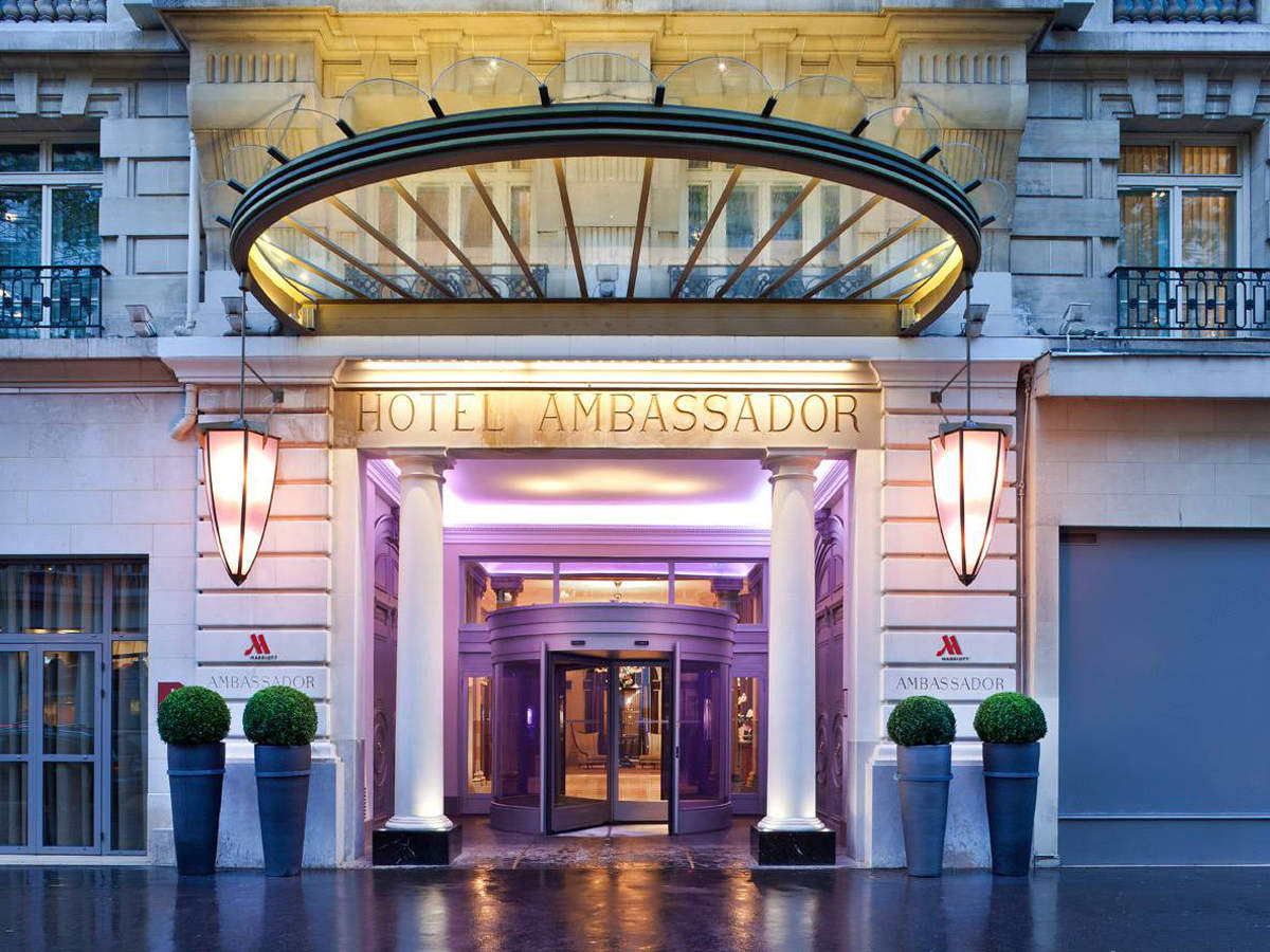 The 20 most expensive hotels in paris nirvana excursions for Hotel des bains paris 14e