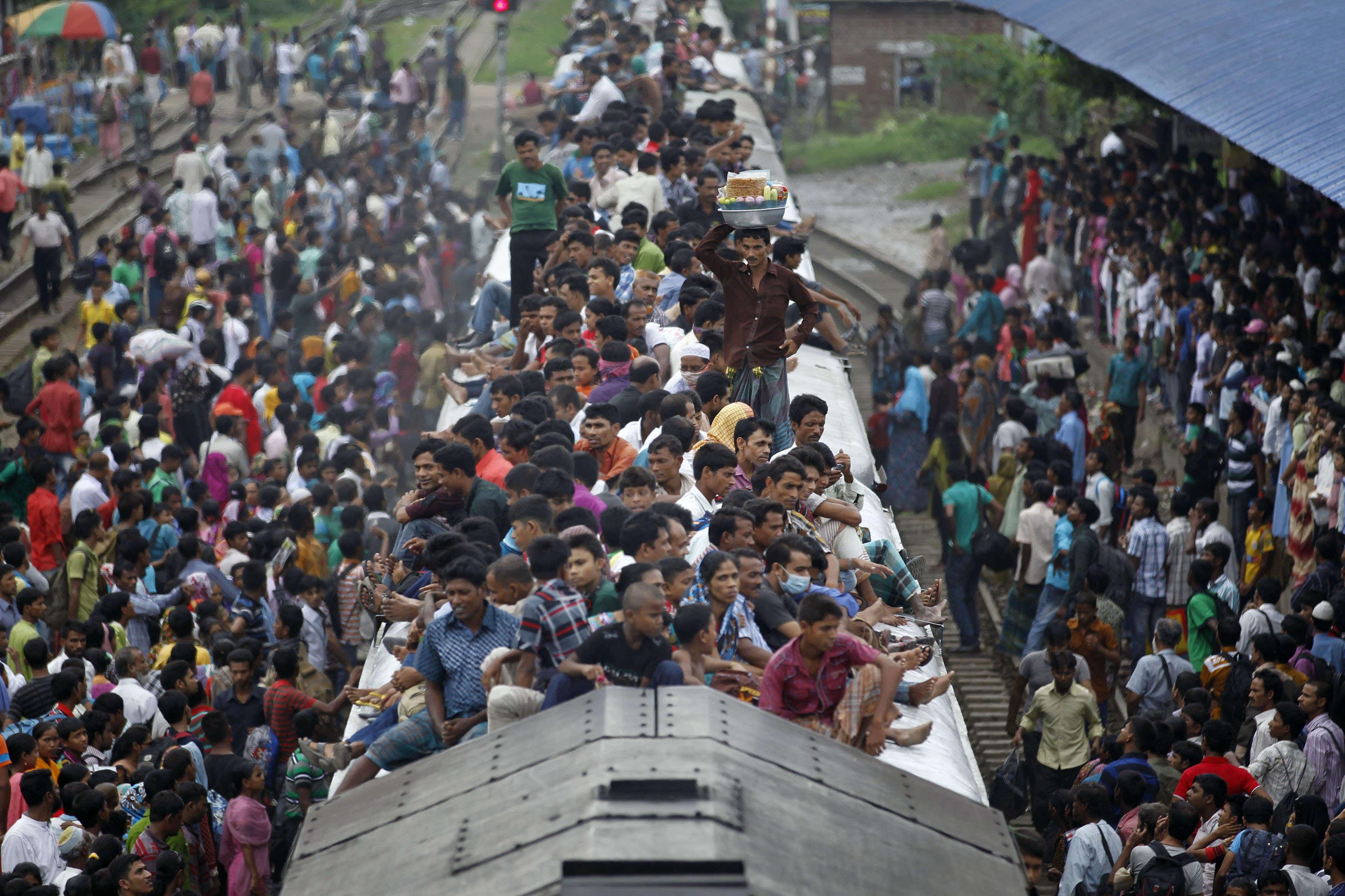 Тлпой в поезде 25 фотография