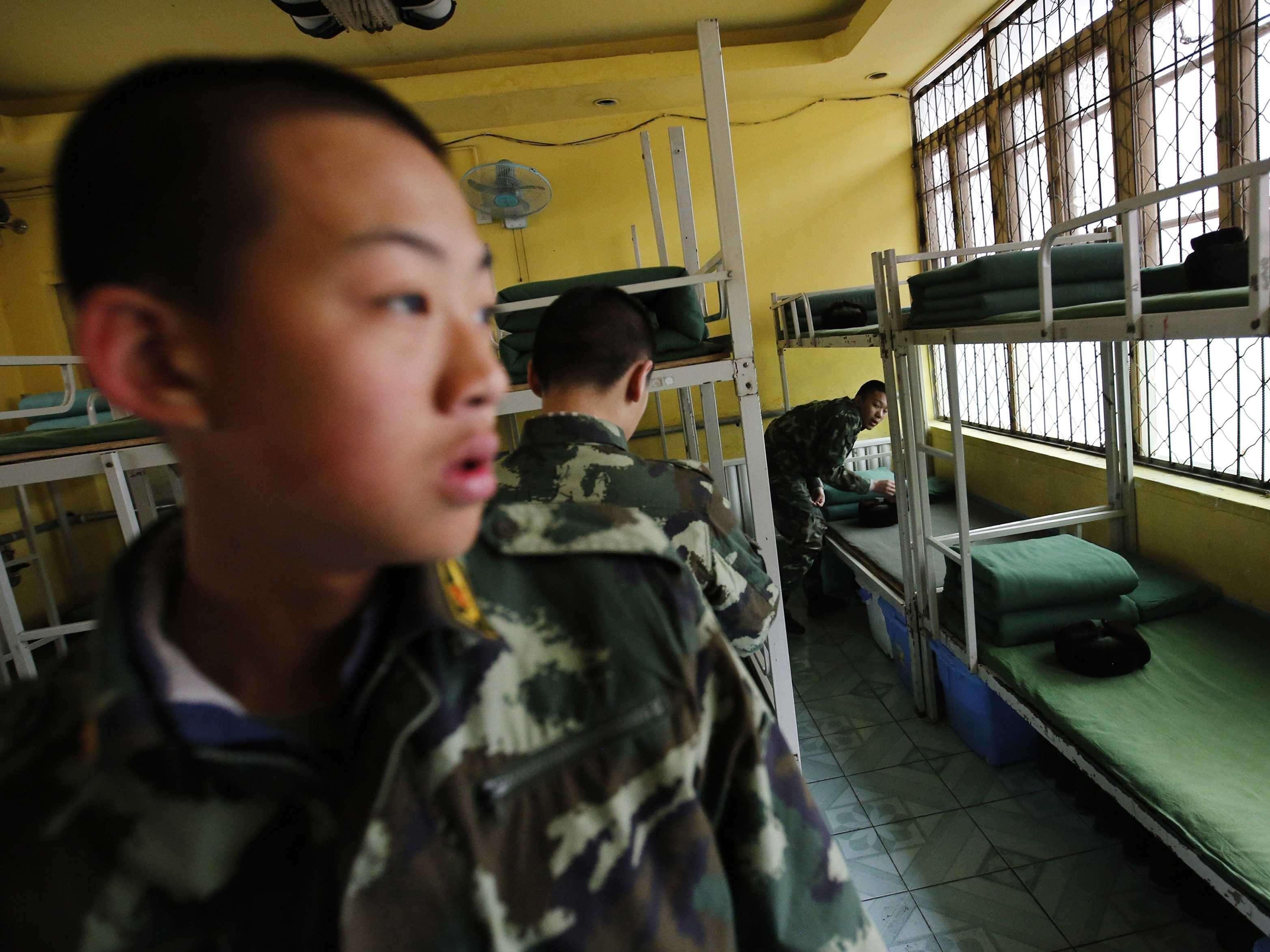 Секс в военном лагере 17 фотография