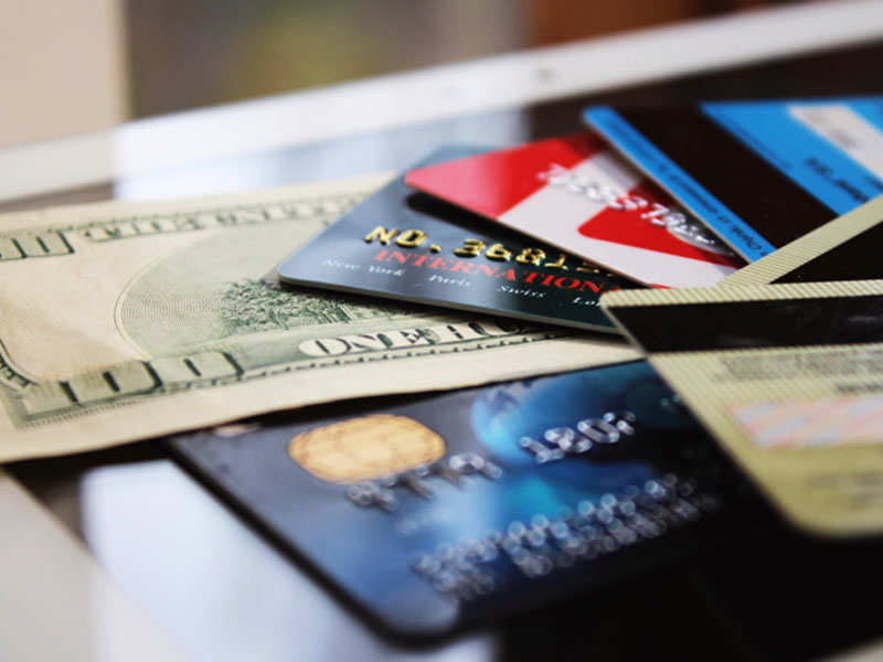 4 ways to use Credit card rewards for vacationing! | Business Insider India