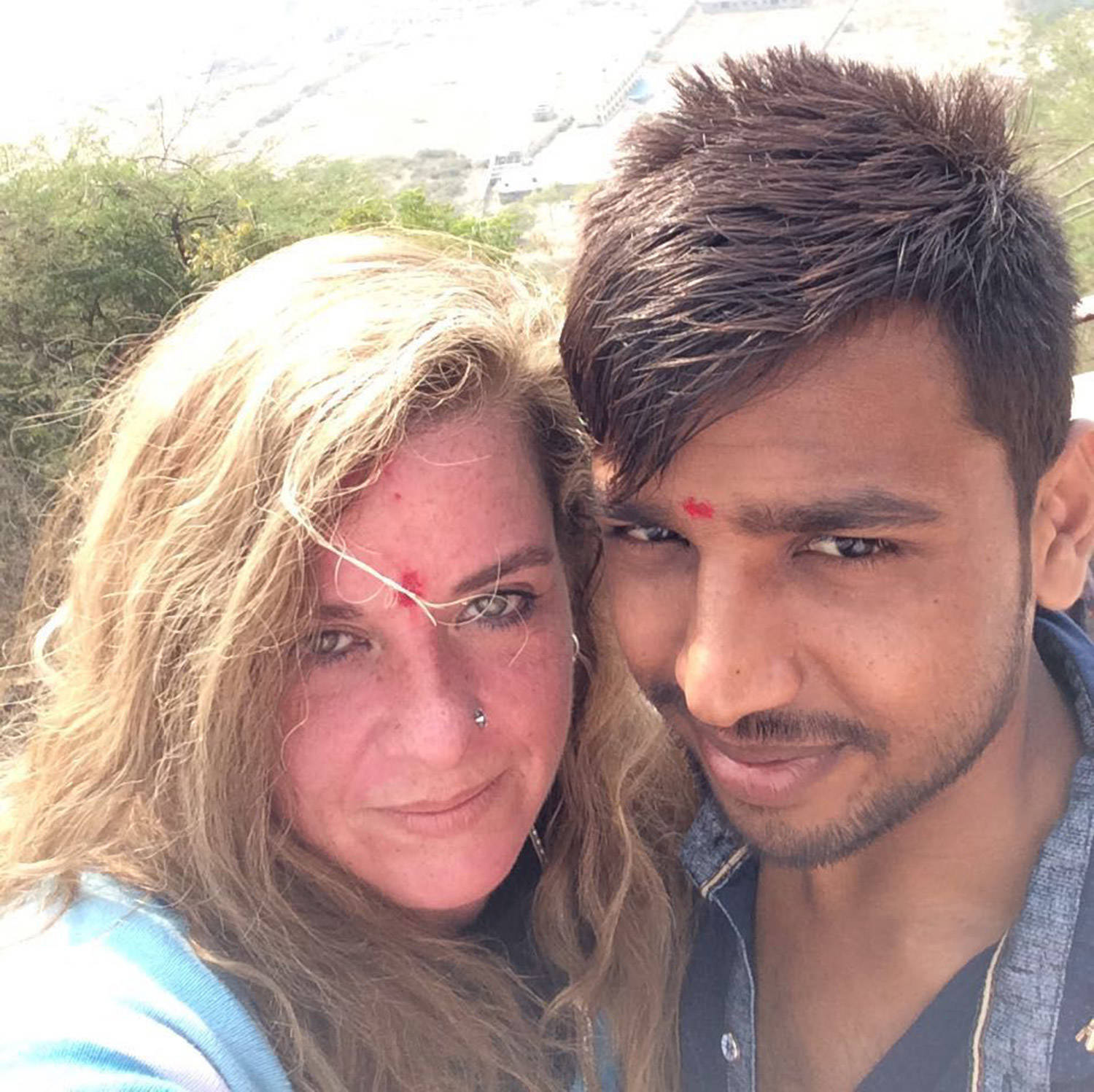 Meet The 41-Year-Old American Woman Who Married A 23-Year-Old Ahmedabad Slum-Dweller -1474
