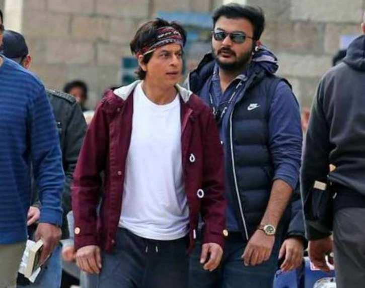 shahrukh khan essay essay Essay on aamir khan for youth and students given here malayalam, tamil, telugu, marathi, french, bengali, assamese, spanish, english, hindi, short essay, long essay and more  with shahrukh khan and salman khan, he has been ruling the hindi film industry since the last two decades his movies have always been entertaining but in.