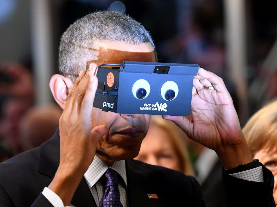 deb12d779724 PHOTOS  Barack Obama geeked out with a virtual reality headset in Germany