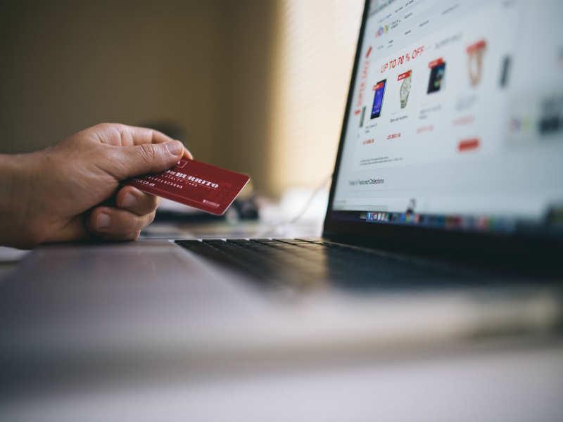 Flipkart attacking Snapdeal, Amazon shows the e-commerce festive war has already begun