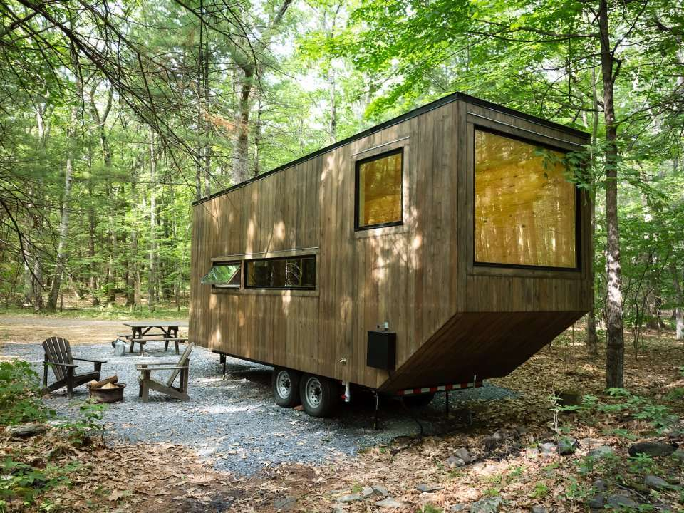 A pair of harvard students have designed tiny houses that could be the future of weekend - Small houses wheels home getaway ...
