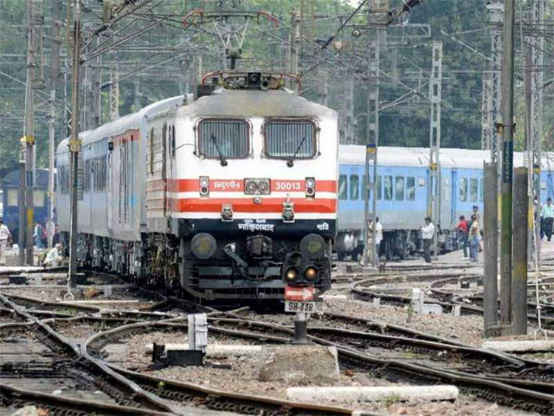 Shatabdi and Rajdhani trains will have automatic doors for