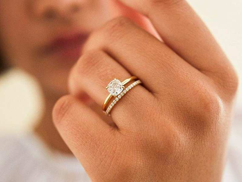 This Online Startup Is Challenging The Traditional Jewelry Industry