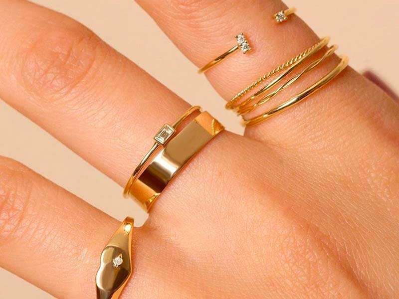 Stone and Strand makes beautiful, minimalist gold jewelry that looks good  online and even better in person - here's how its dainty pieces stack up |  Business Insider India