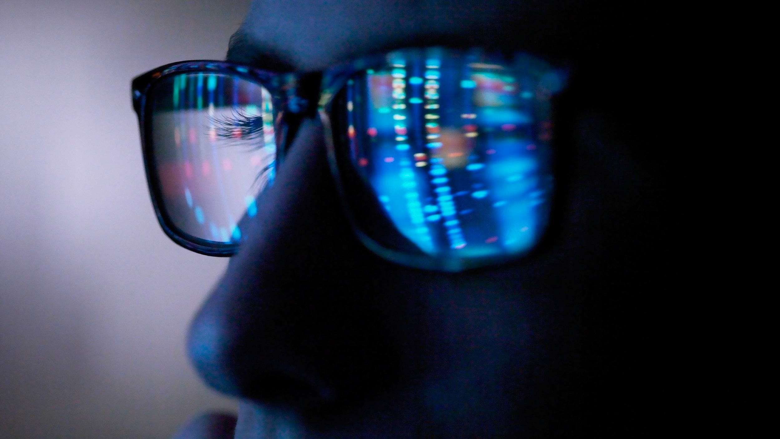 Blue Light Glasses Can Fight Computer Vision Syndrome