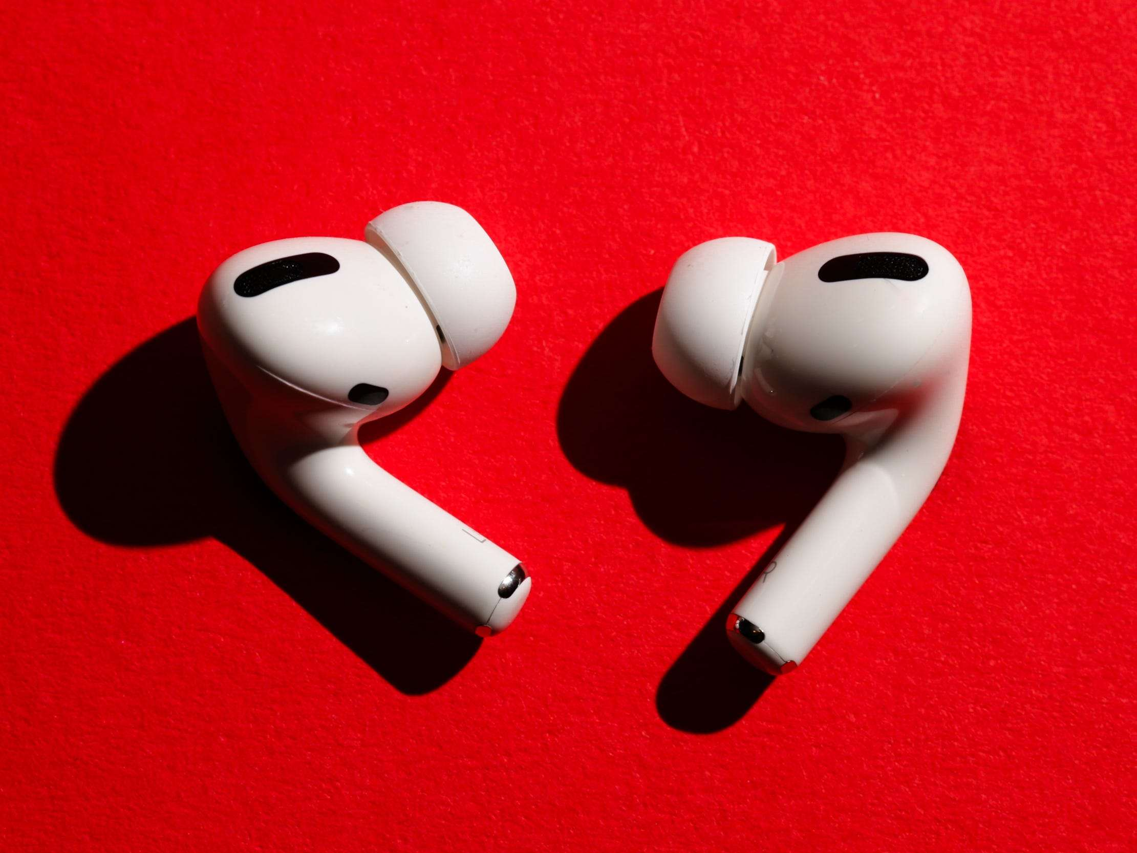 Apple Airpods 3 Release Rumored For 2021 Same Design As Airpods