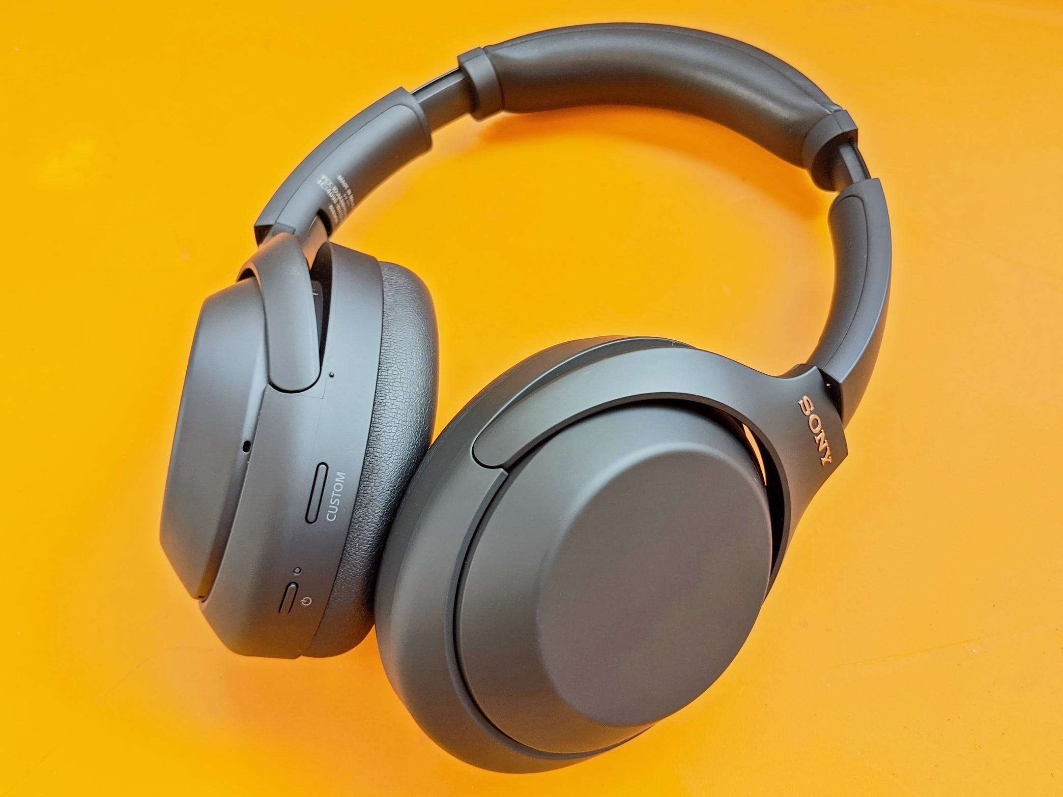 Sony Wh 1000xm4 Wireless Noise Cancelling Headphones Review Business Insider