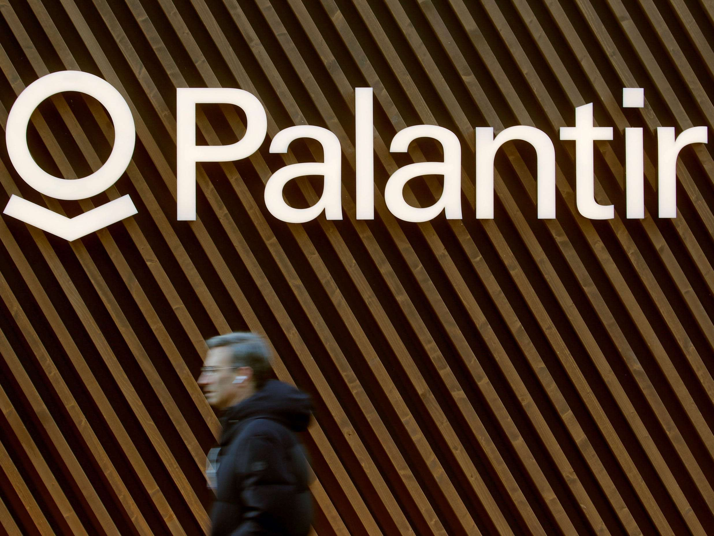 Controversial tech firm Palantir is reportedly building a data tool to help US authorities allocate COVID-19 vaccines