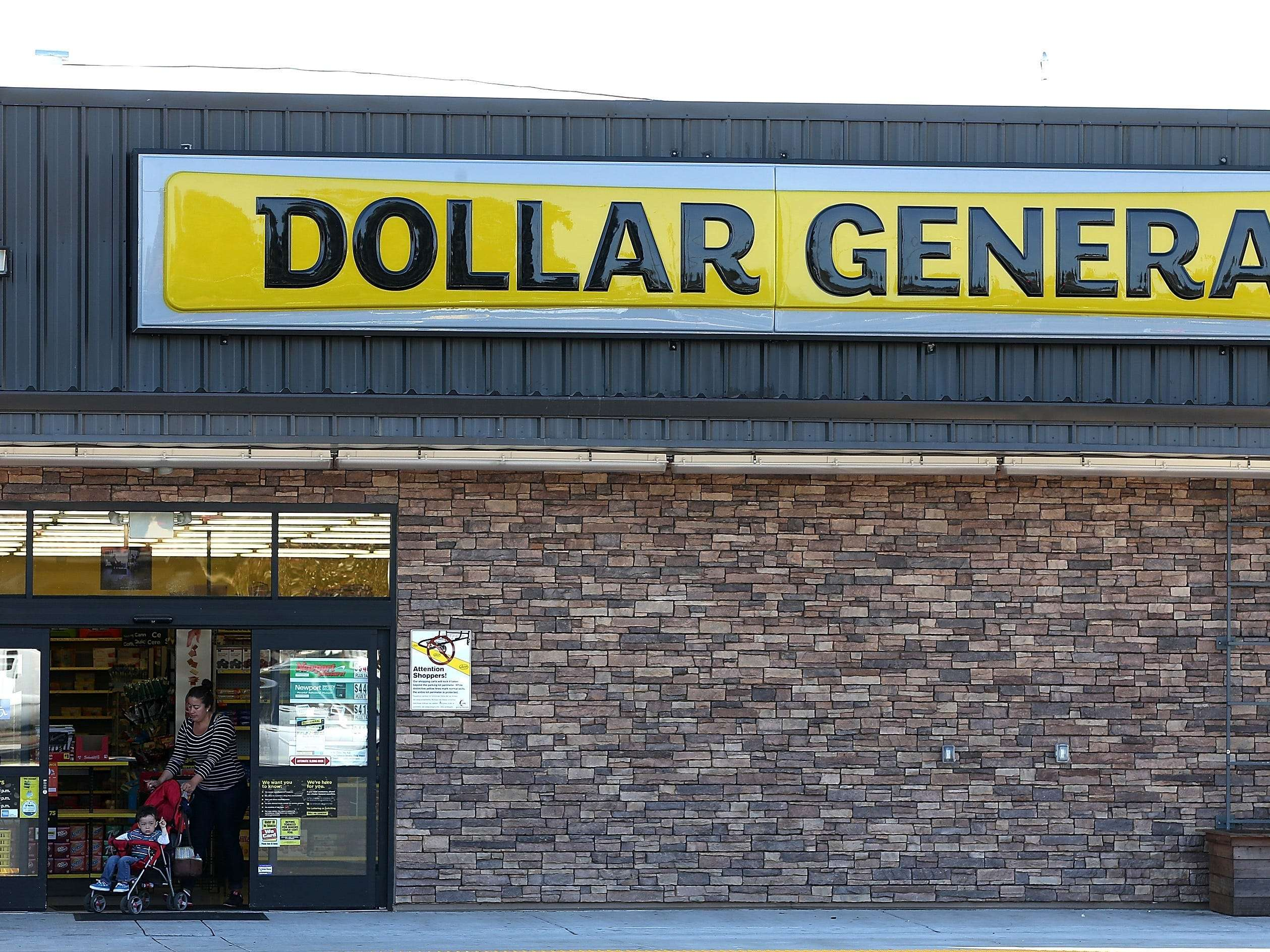 A UBS report says Dollar General pays workers the least among 25 major retailers, even as the discount chain thrives amid the pandemic
