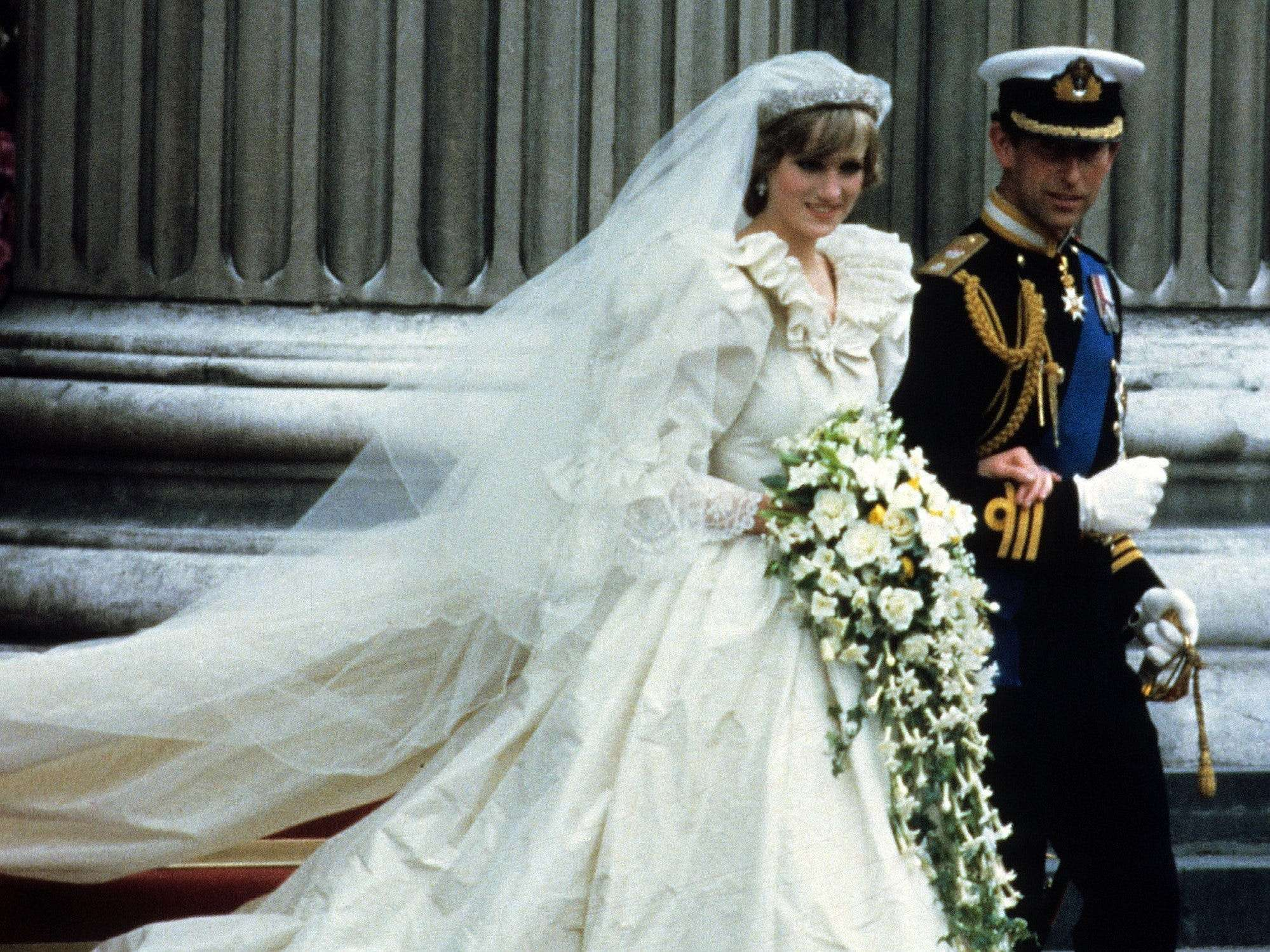 Princess Diana S Wedding Dress Designer Said She Was Horrified When She Saw The Royal Wearing It Because Of How Creased It Was Business Insider India [ 1499 x 1999 Pixel ]