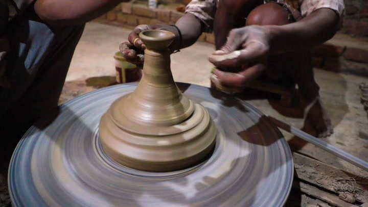 Meet the Indian potters who are keeping an ancient tradition alive for just $40 a week