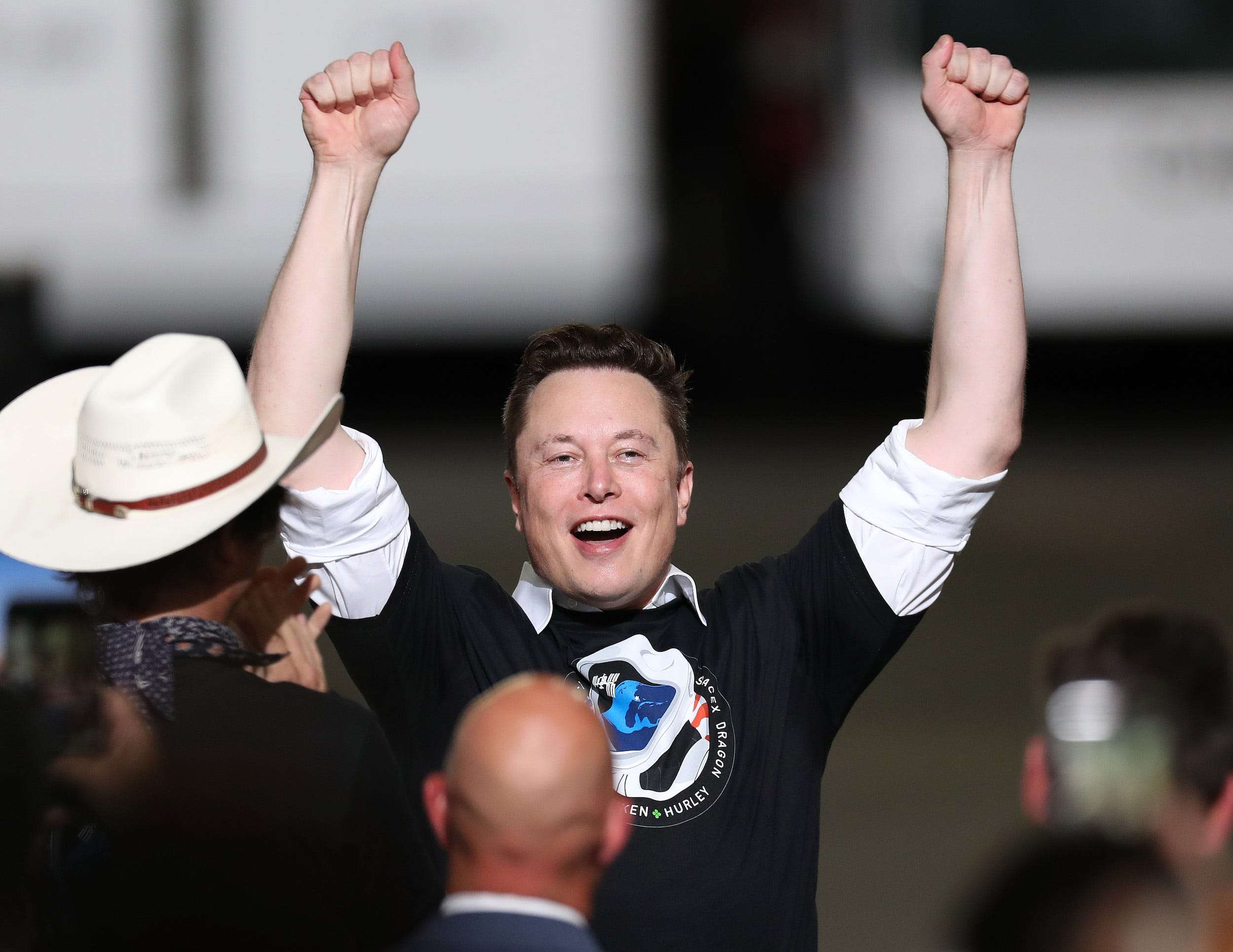 SpaceX says its Starlink satellite internet, still in beta, now has more than 10,000 users worldwide - Business Insider India