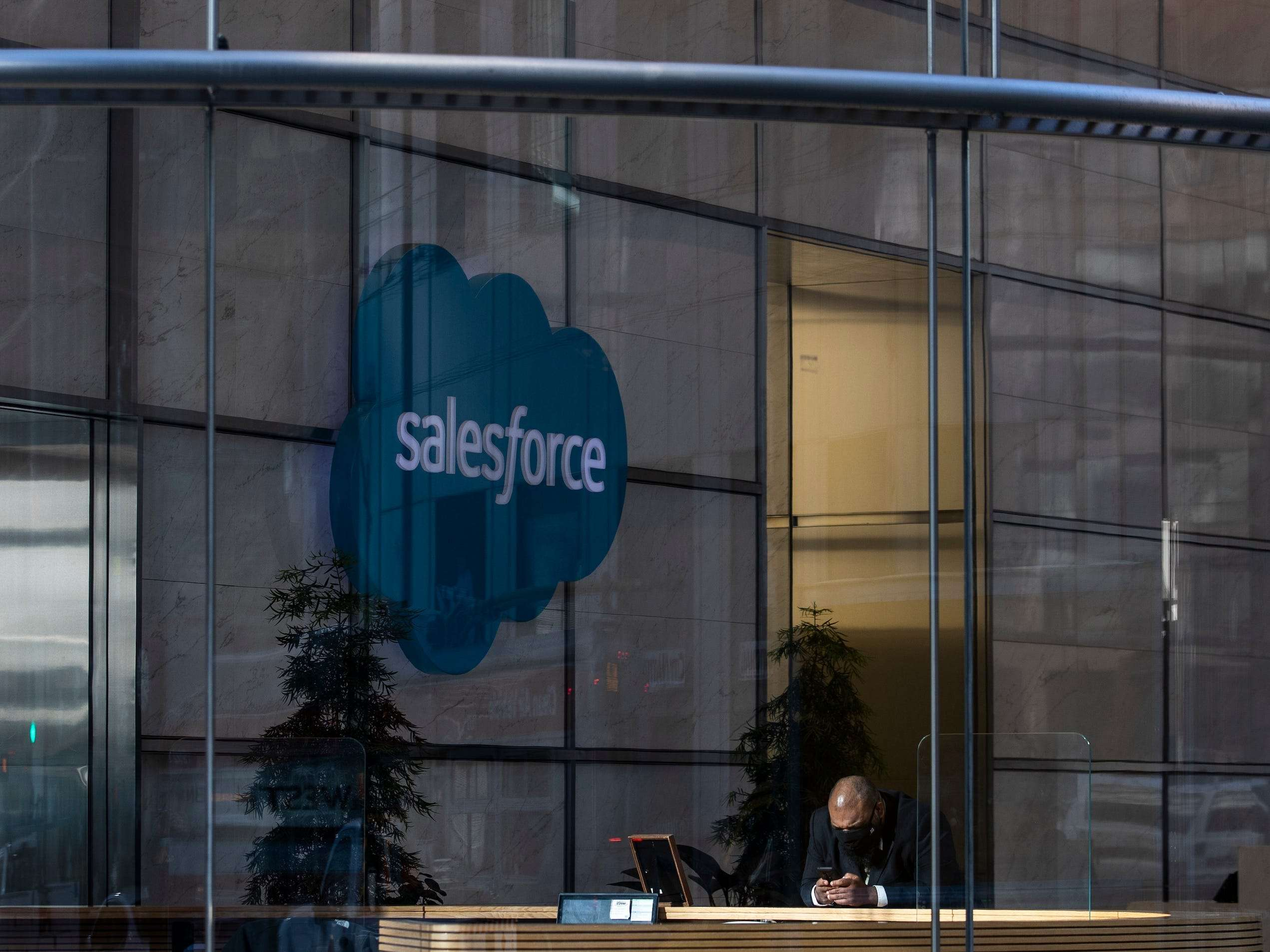 Salesforce says 'the 9-to-5 workday is dead,' and will provide 3 new ways for employees to work - including th - Business Insider India