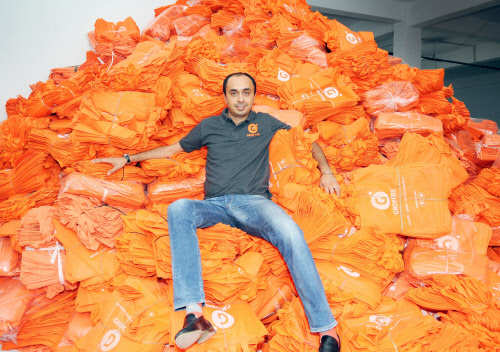 Here's why Grofers may allow an American 'blank cheque' firm to buy it out instead of fighting Ambani and BigB - Business Insider India