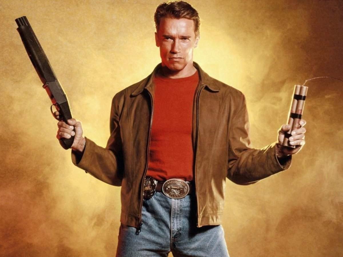 Arnold Schwarzenegger blames Bill Clinton for one of his biggest box office bombs | Business Insider India