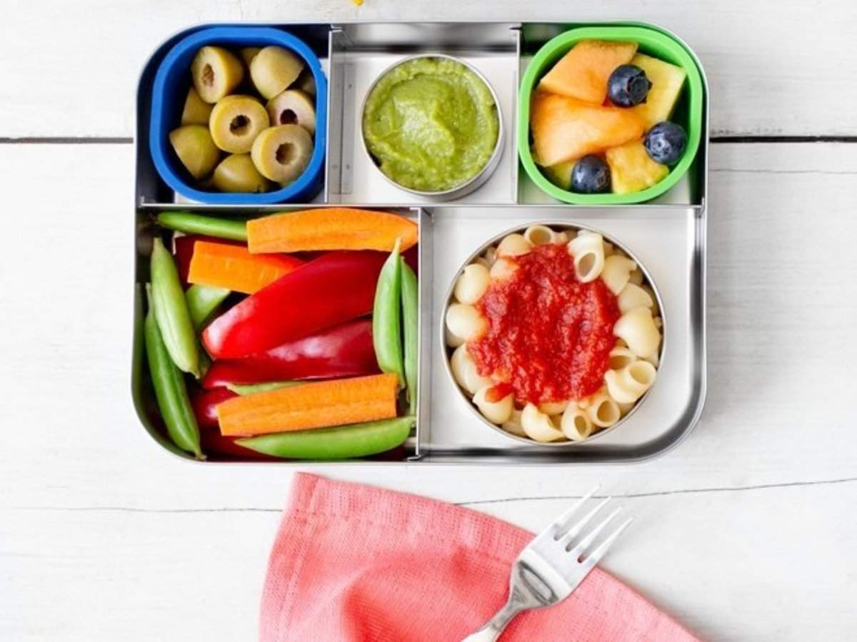 698124842745 These dishwasher-safe bento lunch boxes make it easy to pack ...