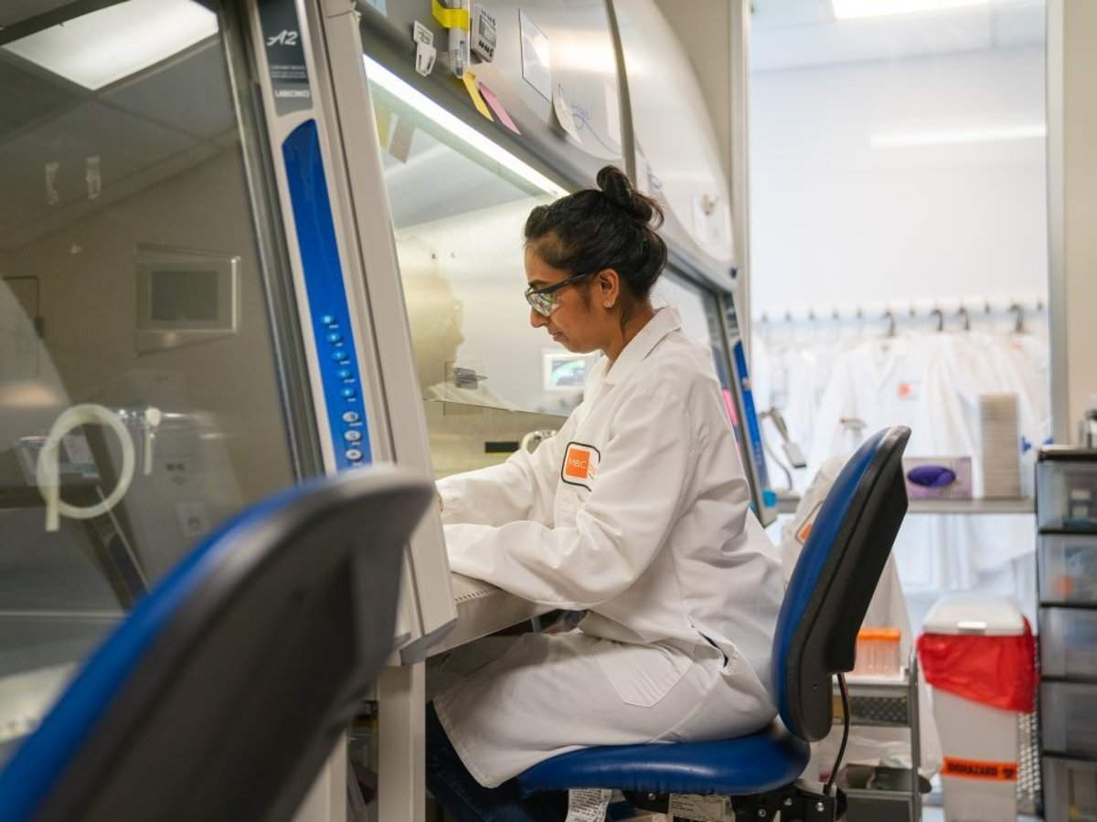 A 29-year-old exec who worked on 2019's biggest biotech IPO told us the 2 key lessons that made it a success