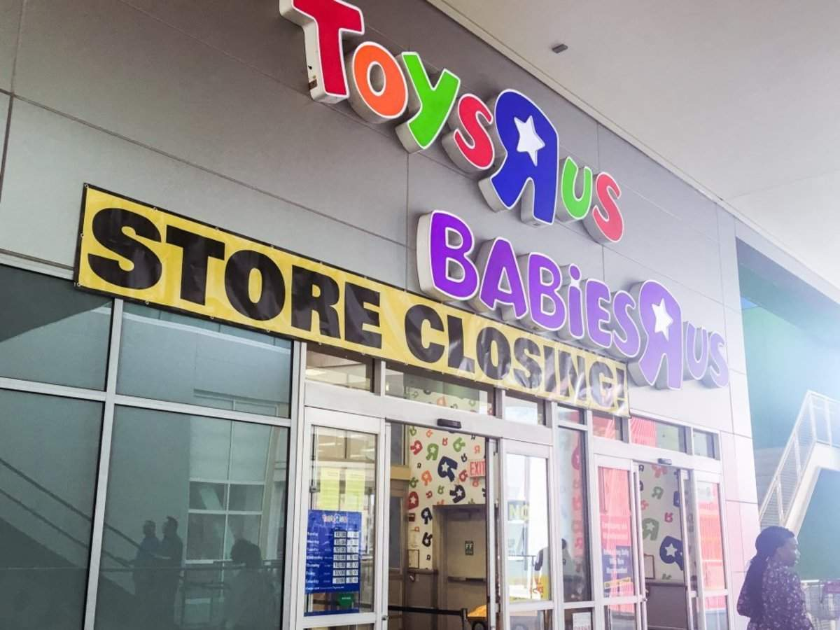 4 ways Hasbro, Mattel, and other toy companies were whacked by Toys R Us' bankruptcy