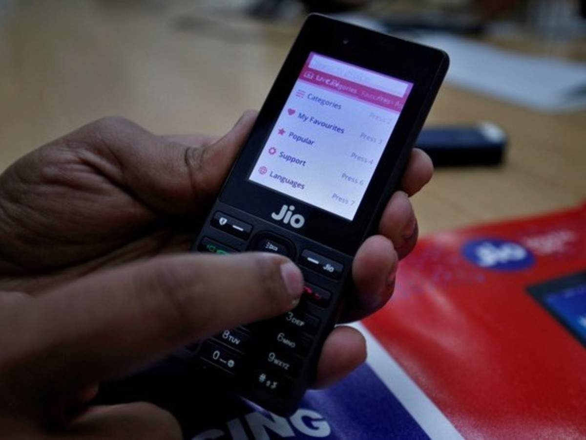 Jio accuses other telcos of passing off wirelines as mobile numbers