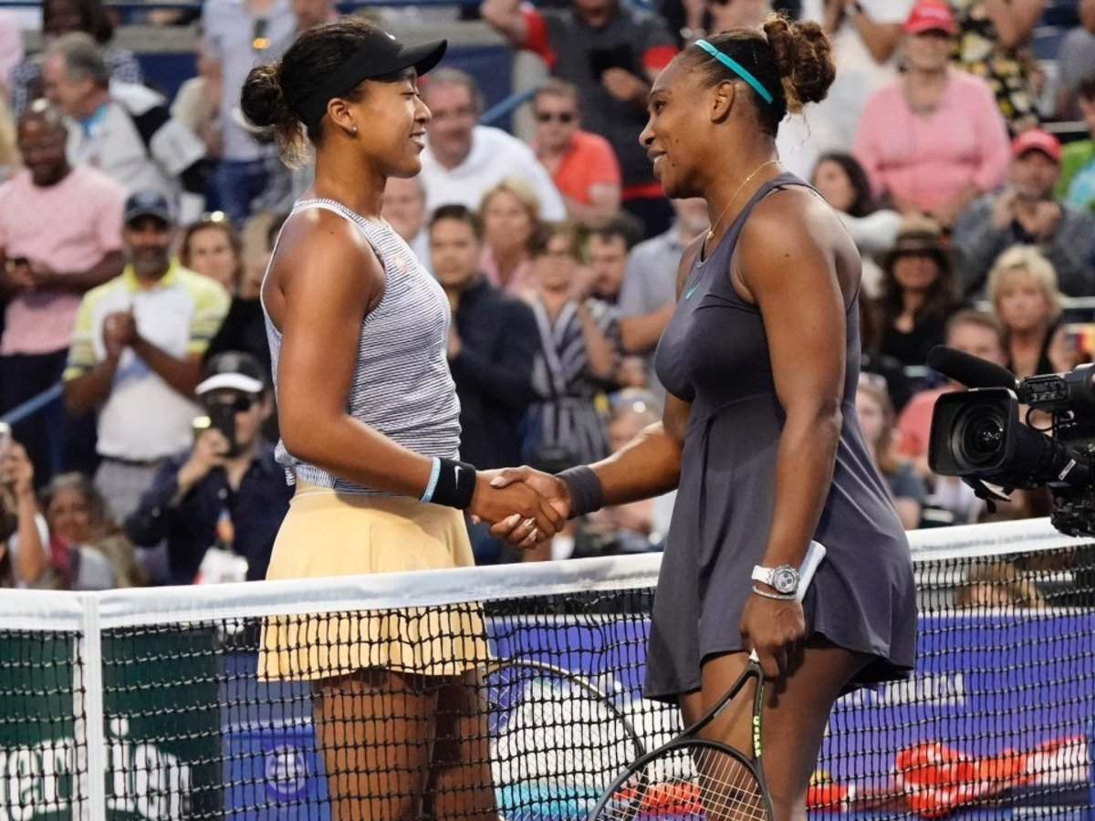 Naomi Osaka jokingly called Serena Williams her 'mom' in a shared photo, and people have mixed feelings