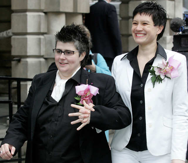 Britain legalizing gay marriages