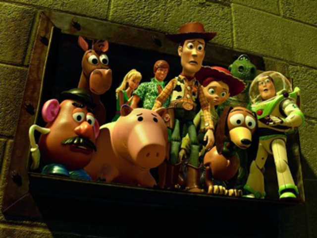gender roles in toy story 3 Toy story 3 rating: g released: 2014 run time: 103 minutes directed by: lee unkrich cultural rating: the film is fun and promotes positive messages regarding friendship and loyalty but tends to reinforce traditional gender roles and engages very little with other cultural identities.