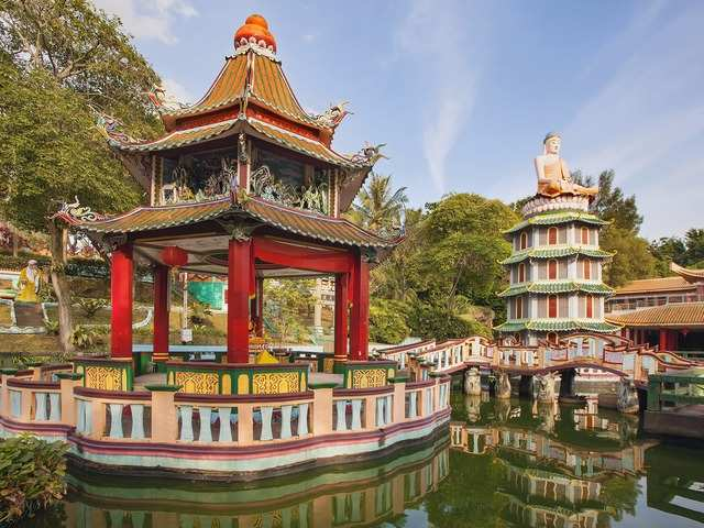 Haw Par Villa, located on Pasir Panjang Road, is a free park with more than 1,000 statues and intricate dioramas that vividly depict Chinese folk tales, beliefs, and legends.