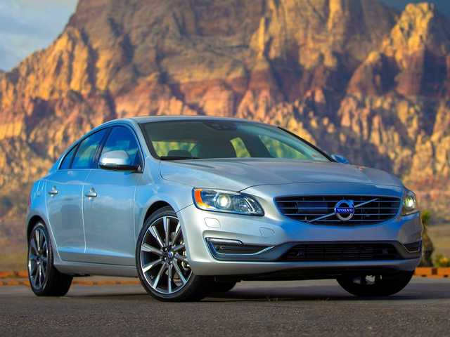 The third and final turbocharged 4-cylinder engine is Volvo S60 T5's