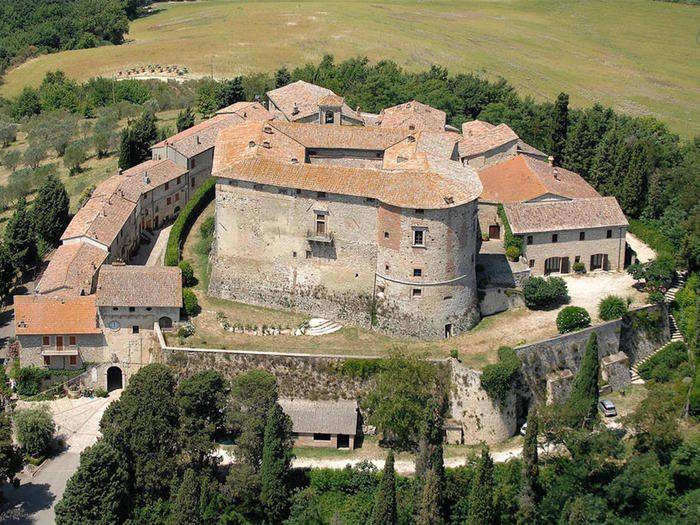 The castle and surrounding village have been occupied by royal descendants since the 10th century. It's also been the site of a series of sieges and military disputes.