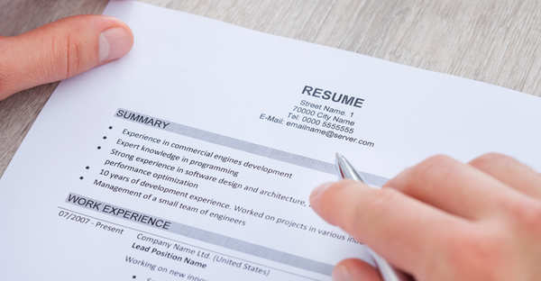 Throw Away Your Cluttered Resume, Because Here's The Type That Gets ...