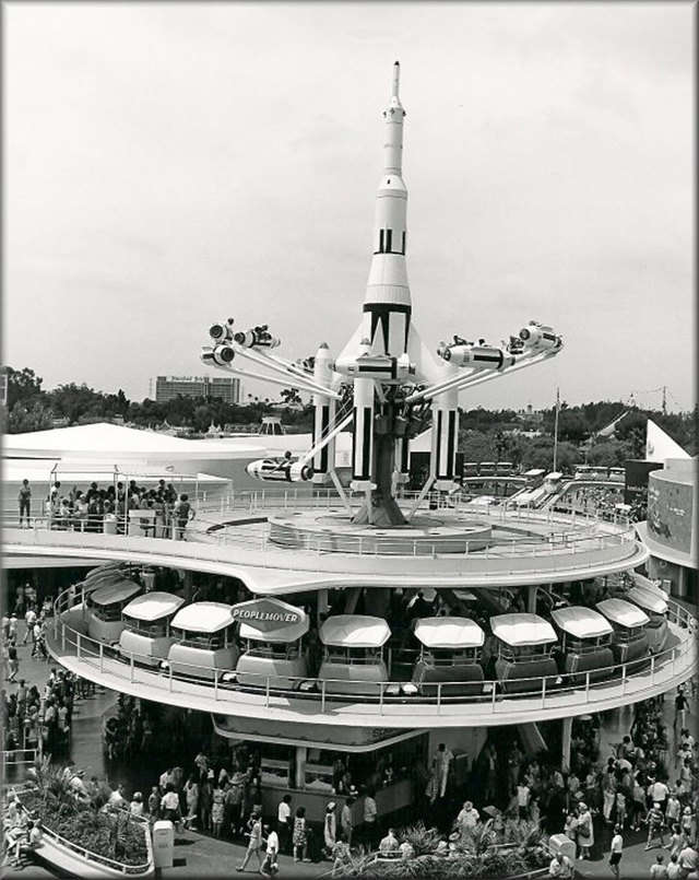 35 vintage photos of Disneyland that will make you want to be a kid again