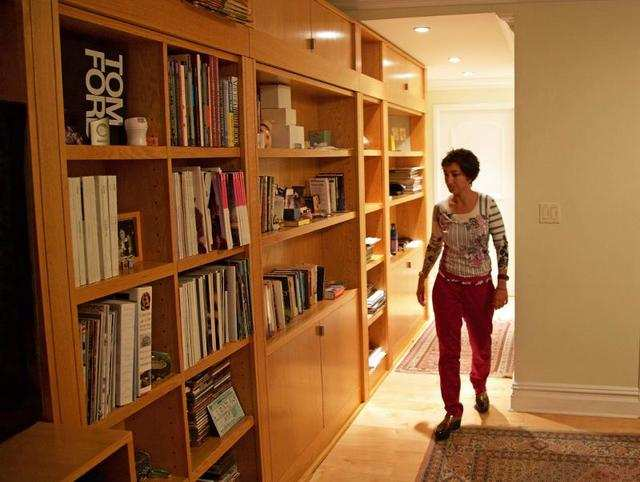 A woman spent 25 000 to build a room hidden behind a - Creative home engineering ...