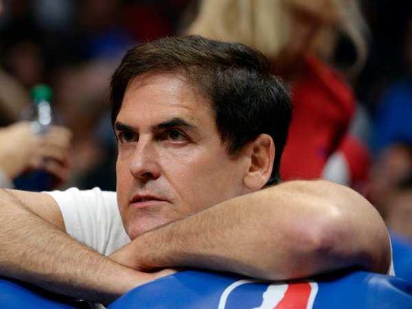 Mavs owner Cuban revokes credentials of 2 ESPN reporters