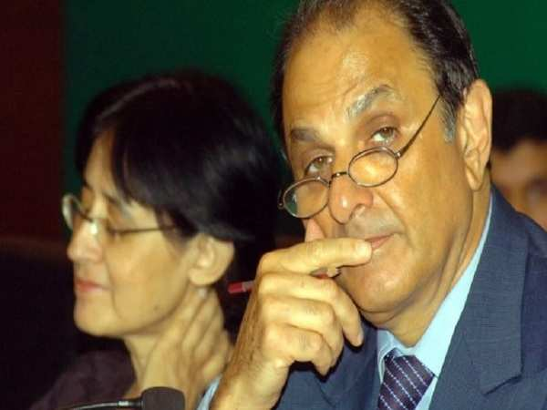Nusli Wadia removed from Tata Motors board