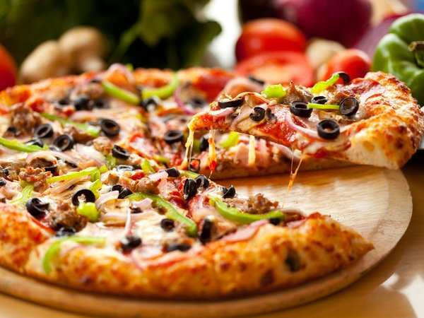 Listeria fears prompt mass frozen pizza recall