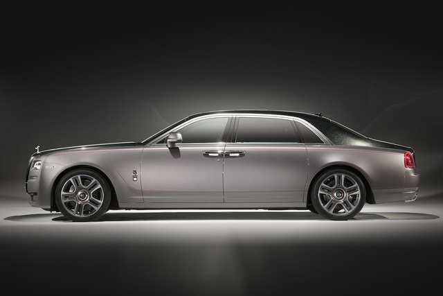 """3. Rolls-Royce unveiled a car painted with actual diamonds at this year's Geneva Motor Show. Rolls-Royce made the paint using 1,000 """"ethically sourced"""" diamonds."""