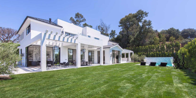 An oversized pool is a must-have for any $23 million home. The outdoor spa, heated dining loggia, and auto gallery are nice additions. The outdoor kitchen featuring a barbecue and beer taps brings the mansion to MVP status — Most Valuable Property.