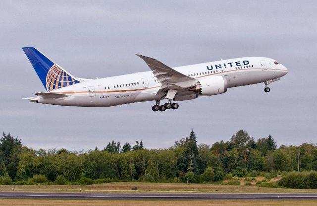 5.United Airlines: Houston, Texas to Sydney, Australia: 8,593 miles.