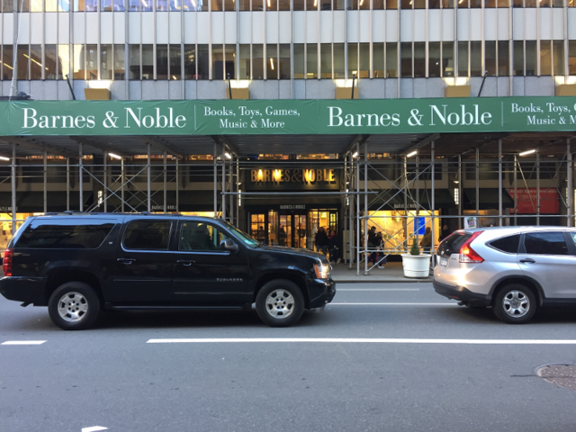 We Visited Amazon And Barnes Noble Bookstores In New York City