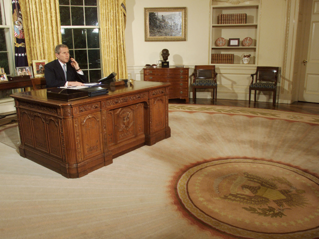 oval office resolute desk. First Lady Laura Bush Designed A New Pale Gold Rug With Sunbeam Design. The Oval Office Also Took On Antique Drapes, And Kept Resolute Desk. Desk