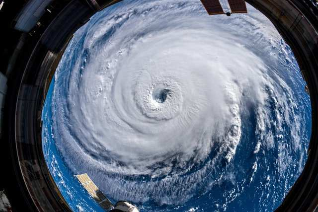 'Storm of lifetime': Hurricane Florence barrels toward Carolinas as residents flee
