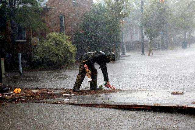 Hurricane Florence turns deadly, unleashing torrential floods on Carolinas