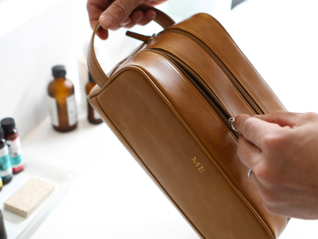 A double-compartment toiletry kit