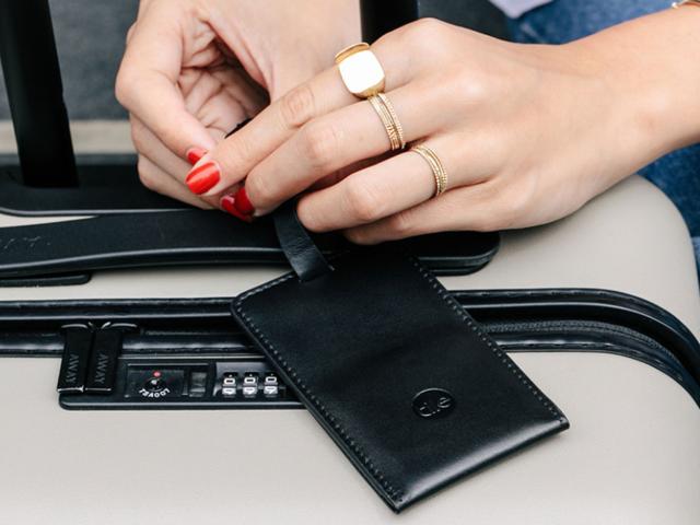 A smart luggage tag
