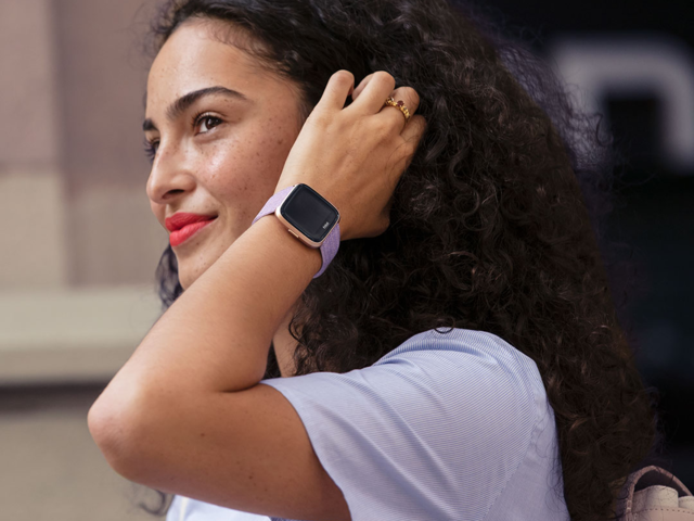 A fitness tracker that's also a smartwatch