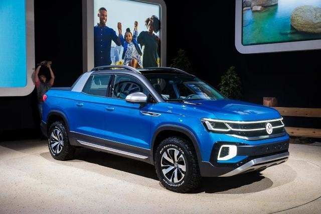 Volkswagen showed off its compact Tarok concept to see if Americans are interested in buying small pickup trucks again.